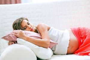 Можно ли спать на животе во время беременности