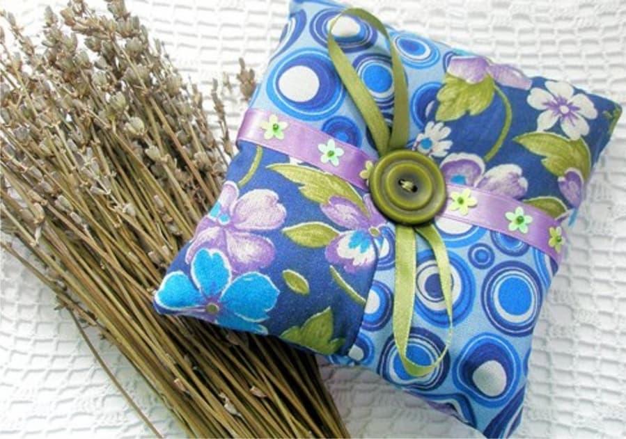 Подушка из целебных трав своими руками
