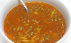 Мясной суп с зелёной чечевицей