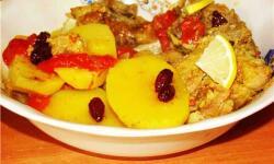 Баранина с сушеным кизилом и овощами